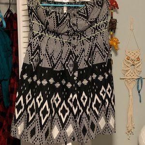 Xhiliration strapless print dress with pockets
